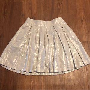 🎸Banana Republic Silver Foil Pleated Skirt